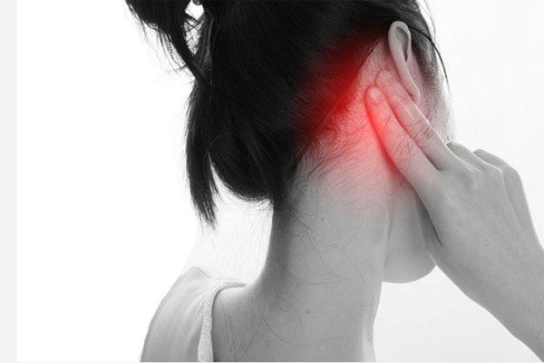 ما الذي يسبب صداع خلف الرأس 9