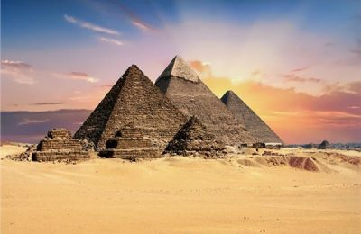 من رحلة سائح في مصر إلى اكتشاف سقارة .. للترويج للسياحة المصرية