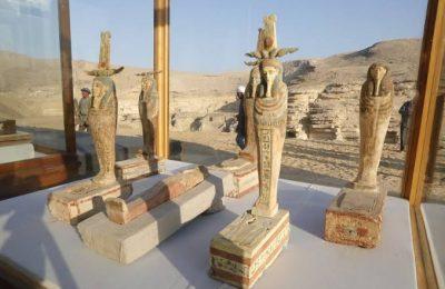 السياحة تعلن كشف أثري جديد بسقارة أكبر عدد توابيت مغلقة