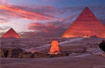 حكاية صورة | لقطة جوية مذهلة لأهرامات الجيزة