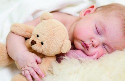 أسباب زيادة وزن الرضيع غير الطبيعية